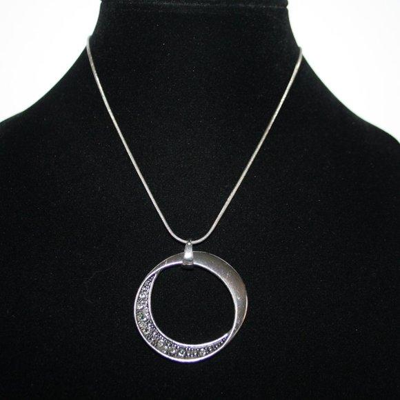 """Beautiful silver pendant necklace 16-19"""""""